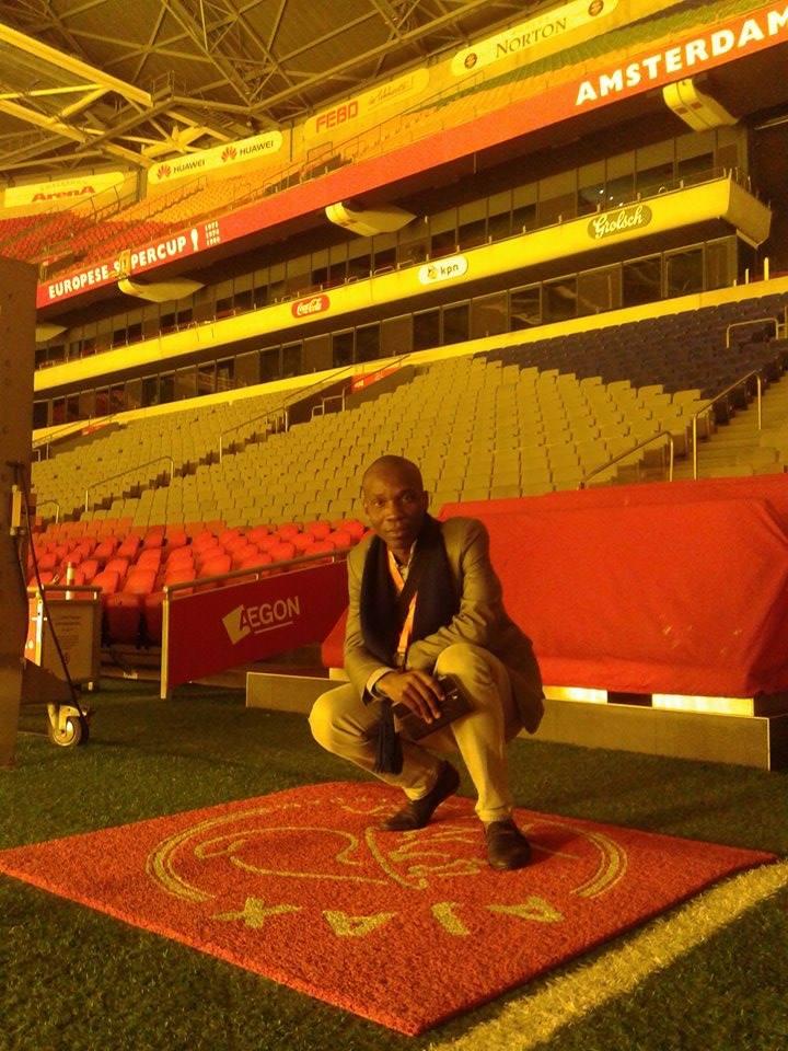 Moi, au sein du mythique stade Ajax - Arena de Amsterdam en novembre 2014, crédit photo : Maxence Peniguet