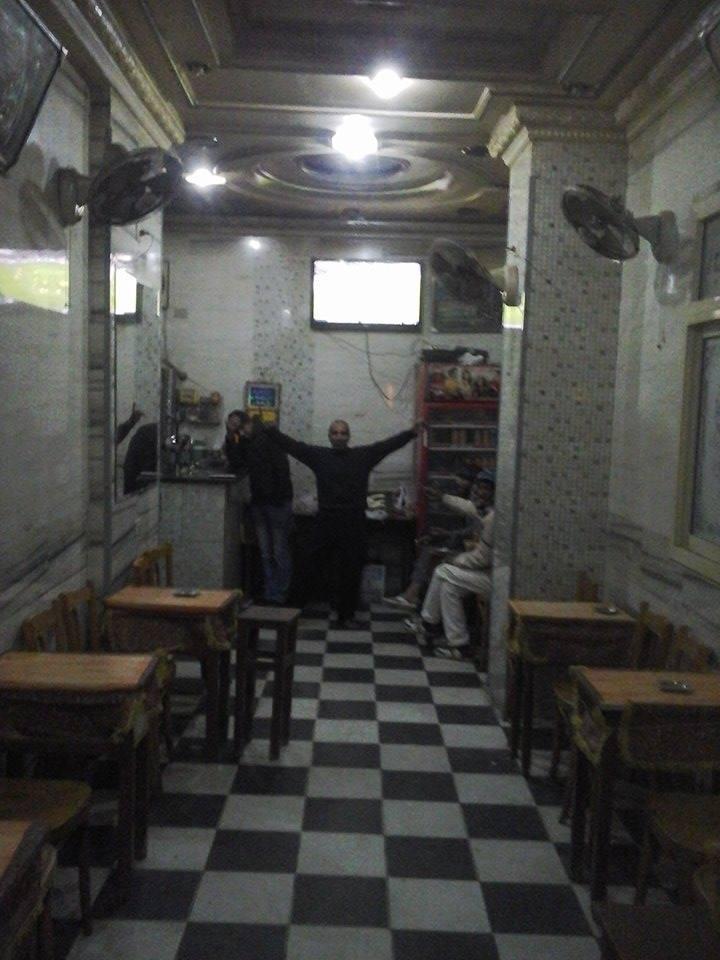 """Le Café qui accueillait les plus courageux désirant suivre les matchs de la CAN à la télé, """"Brince of sea"""" à Khaled Ben El-Walid, à Alexandrie en Egypte, géré par le sympathique Ibrahim, crédit photo : Magloire Zoro"""