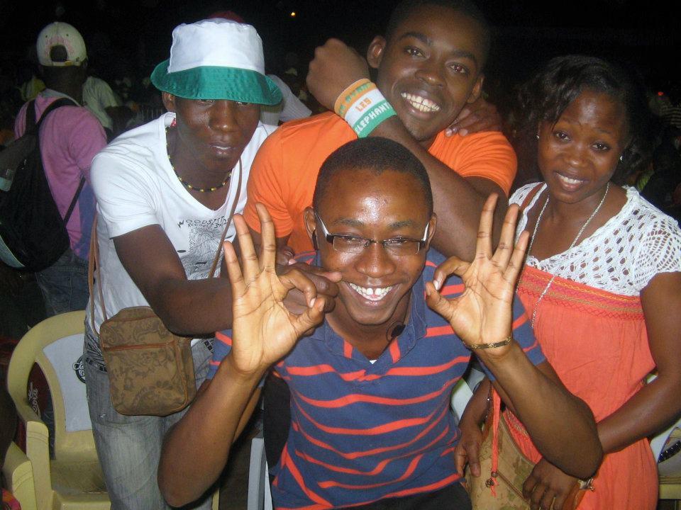 """Supporters """"Mazo"""" à Cocody-Riviera II en 2012 lors de la finale Côte d'Ivoire VS Zambie, crédit photo : Detto Lynx"""