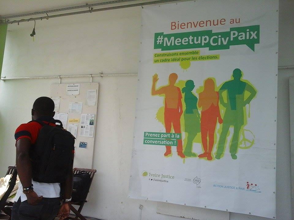 Le stand d'accueil au #MeetUpCivPaix, crédit photo : Magloire Zoro