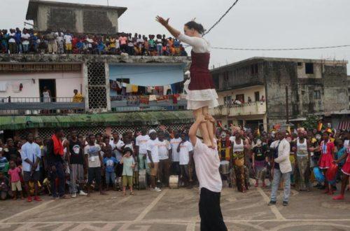 Article : Spectacle jeune public : La parade du Festival International de Pâques pour Rêves d'Enfants a tenu ses promesses